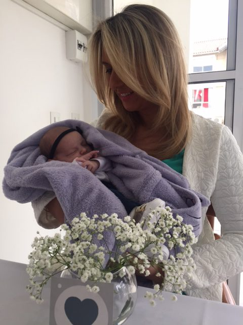 E o Felipe já tem pretendente, né Isabela?! A mamãe Leticia já está preparando ela para esperar o Pipe.